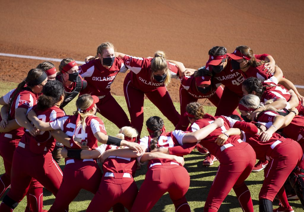 Image courtesy of Oklahoma Softball Twitter.